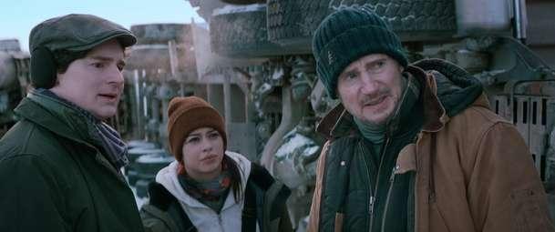 The Ice Road: Liam Neeson je ten nejhustší řidič kamionu pod sluncem   Fandíme filmu