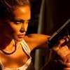 The Serpent: Modelka Gia Skova si zahrála ostrou agentku CIA | Fandíme filmu