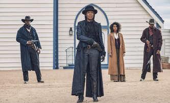 Tím tvrdší je pád: Krvavá kovbojka dává vzpomenout na Tarantinova Djanga | Fandíme filmu