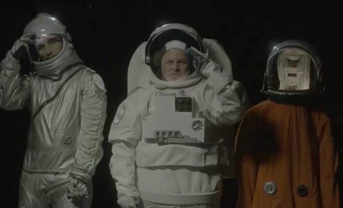The Problem: Nová komediální show si v upoutávce dělá srandu z boháčů ve vesmíru | Fandíme seriálům
