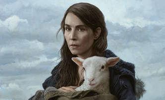 Ada: V černé hororové komedii pár vychovává ovčí dítě | Fandíme filmu