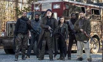 The Survivalist: John Malkovich je krutovládce apokalyptické pustiny – trailer | Fandíme filmu