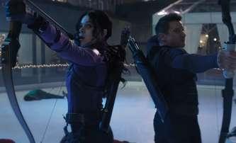 Hawkeye: V novém traileru se mladá hrdinka chlubí spoluprací s Avengers | Fandíme filmu