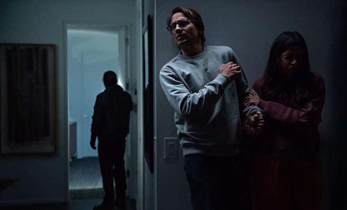 Vpád: V thrilleru od Netflixu je pár v ohrožení ve vlastním domě | Fandíme filmu