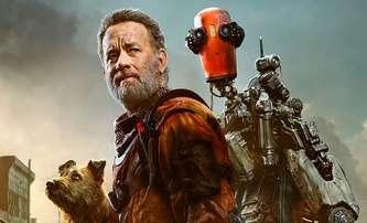 Finch: Tom Hanks v postapokalyptické pustině postavil robota a chová psa - trailer | Fandíme filmu