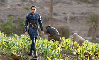Eternals: Superschopnosti hrdinů v plné parádě v nové upoutávce   Fandíme filmu