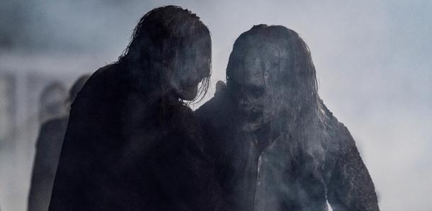 Živí mrtví: Nový trailer odhalil, kdy se série vrátí | Fandíme serialům