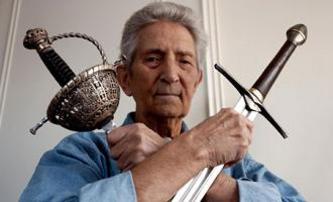 Zemřel Bob Anderson, šermíř Pána prstenů | Fandíme filmu