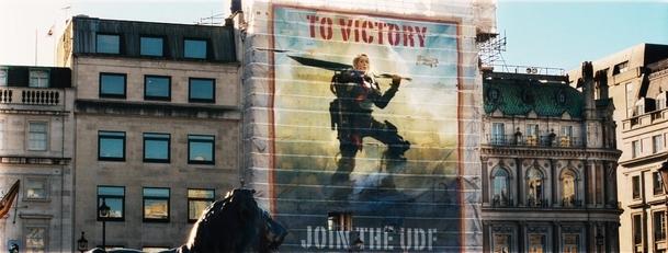 Na hraně zítřka: Trojice plakátů | Fandíme filmu