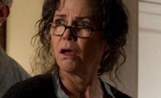 Spider-Man: Hrozí samostatný film s tetou May | Fandíme filmu