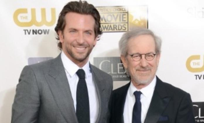 "American Sniper: Bradley Cooper se stane ""ďáblem"" | Fandíme filmu"