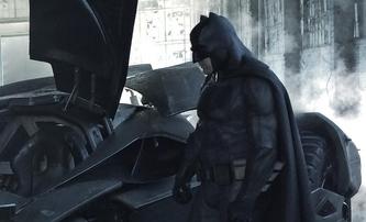 Batman v Superman: Detailní pohled na Robinův kostým | Fandíme filmu