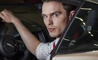 Collide: Nicholas Hoult za volantem ve stylu Kobry 11   Fandíme filmu