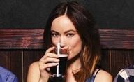 Drinking Buddies: Olivia Wilde flirtuje a popíjí pivo | Fandíme filmu