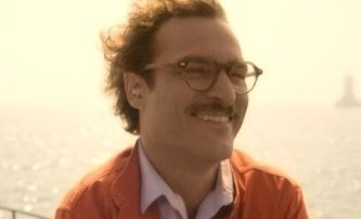 Her: Joaquin Phoenix se zamiloval do svého počítače | Fandíme filmu