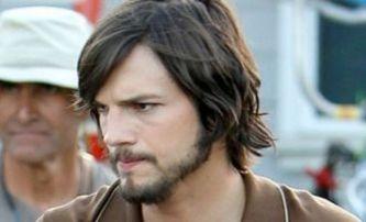 jOBS: První fotky plně namaskovaného Ashtona Kutchera | Fandíme filmu