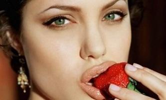 Angelina Jolie má pifku na Šípkovou Růženku | Fandíme filmu