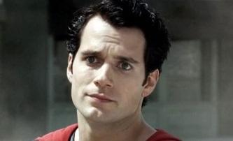 Muž z oceli: Superman propaguje hamburgery | Fandíme filmu