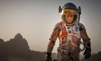 Autor Marťana chystá s Philem Lordem a Chrisem Millerem novou sci-fi | Fandíme filmu