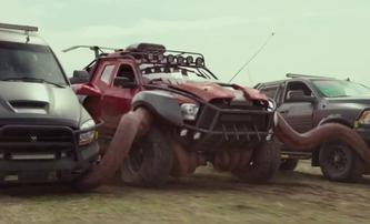 Monster Trucks: E.T. + Transfomers + Rychle a zběsile | Fandíme filmu