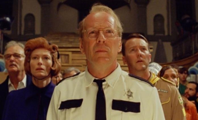 Moonrise Kingdom: Bruce Willis pronásleduje malé děti | Fandíme filmu