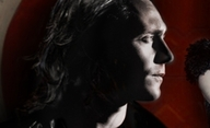 Only Lovers Left Alive: Tom Hiddleston jako upír | Fandíme filmu