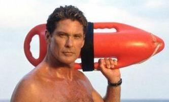 Piranha 3DD: David Hasselhoff se hlásí k bazénu   Fandíme filmu