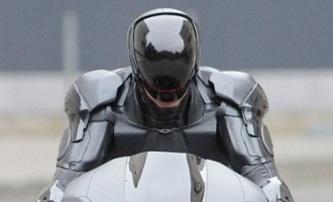 RoboCop: Čerstvé fotky a změna termínu premiéry | Fandíme filmu