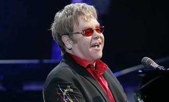 Rocketman: Tom Hardy jako legendární Elton John?   Fandíme filmu