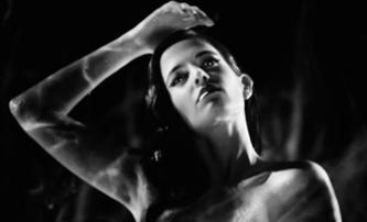Sin City 2: Nahá Eva Green kouřem oděná | Fandíme filmu