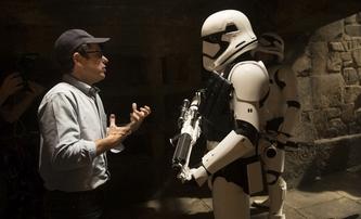 Star Wars IX: Abrams film nechtěl točit, nakonec věří, že je výjimečný | Fandíme filmu