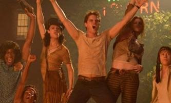 Stonewall: První trailer na novinku Rolanda Emmericha | Fandíme filmu