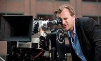 Christopher Nolan bije na poplach: Kinům dle režiséra Temného rytíře musíme pomoci   Fandíme filmu