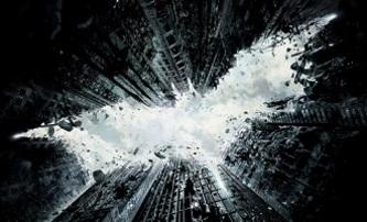 Temný rytíř povstal: Nový oficiální plakát   Fandíme filmu