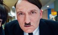 Už je tady zas: Hitler se vrací | Fandíme filmu