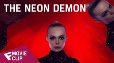 The Neon Demon - Movie Clip (What's it Feel Like) | Fandíme filmu